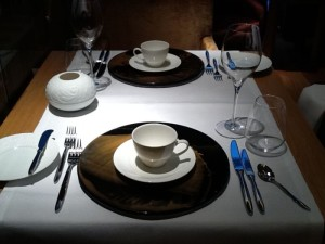 Black and gold dinnerware for Max on One, Jumeirah Frankfurt