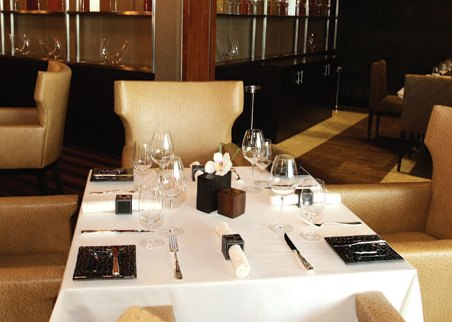 table_setting_Marco_Pierre_White_Steakhouse_Abu_Dhabi