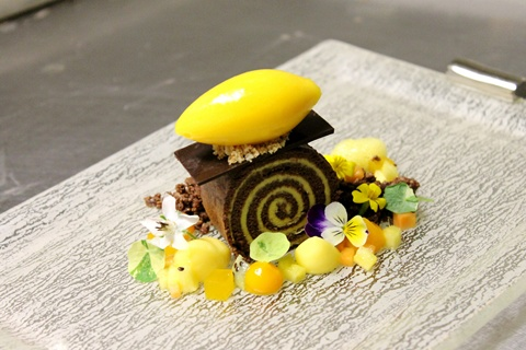 dessert_plate_Glass_Studio_St_Regis_Bal_Harbour_Resort