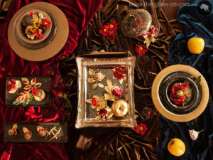 Baroque dinnerware for a luxurious table