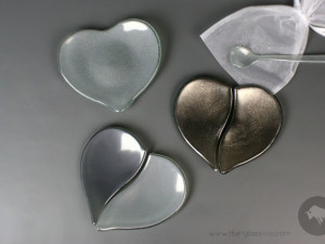Heart-Shaped gift plates for Valentine`s day