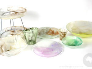 Glass plate designs with multicolor cloud pattern