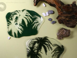 Palm tree dinnerware design for tropical dining